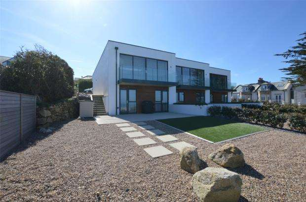 3 Bedrooms End Of Terrace House for sale in Sandsifters, Boskerris Road, Carbis Bay, St. Ives