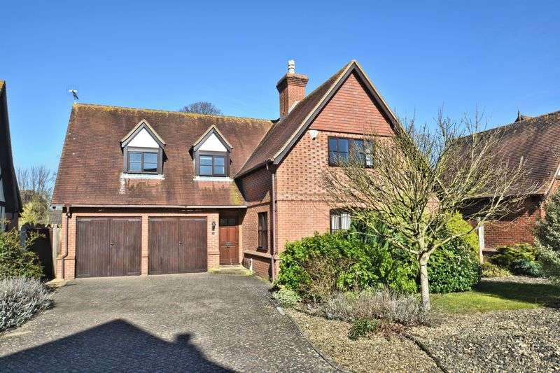 3 Bedrooms Detached House for sale in The Paddock, Chilton