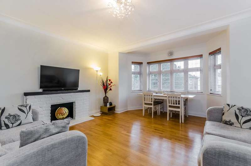 3 Bedrooms Flat for sale in Palmerston Road, Buckhurst Hill, IG9