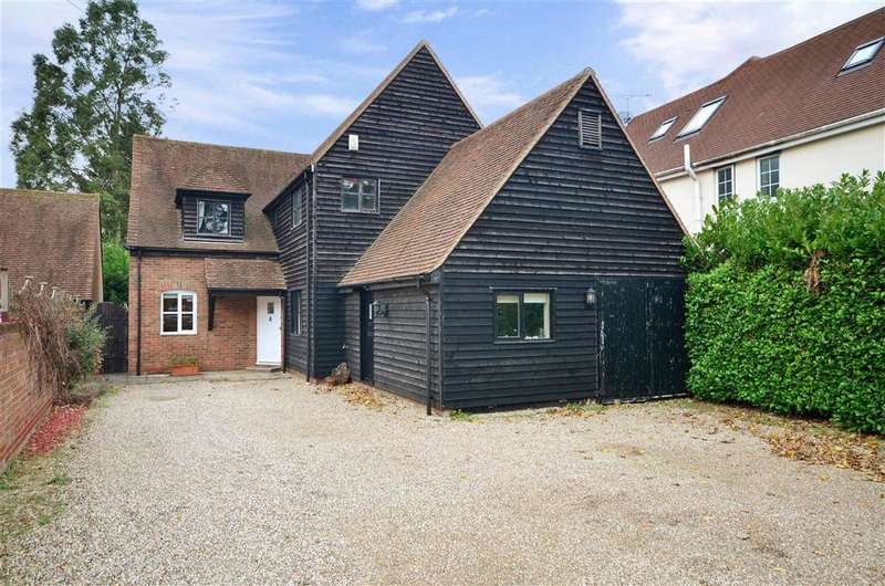 4 Bedrooms Detached House for sale in Stock Road, Billericay, Essex