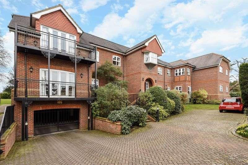 2 Bedrooms Flat for sale in Woodfield Lane, Ashtead
