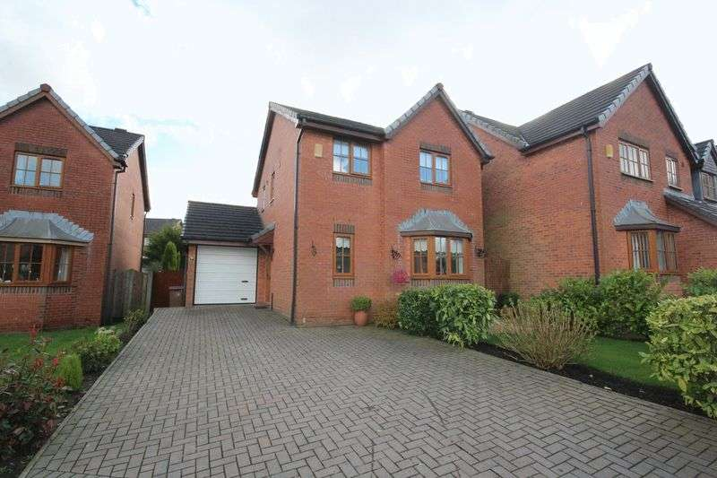 3 Bedrooms Property for sale in Stock Close, Shawclough, Rochdale, OL12 6BB