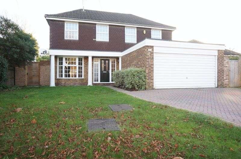 5 Bedrooms Detached House for sale in Sandhurst Road, Sidcup