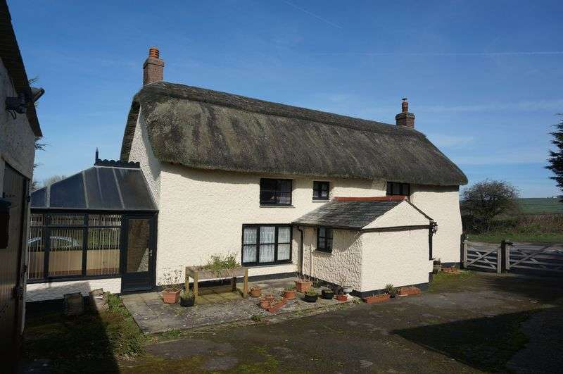 2 Bedrooms Detached House for sale in Stratton, Bude