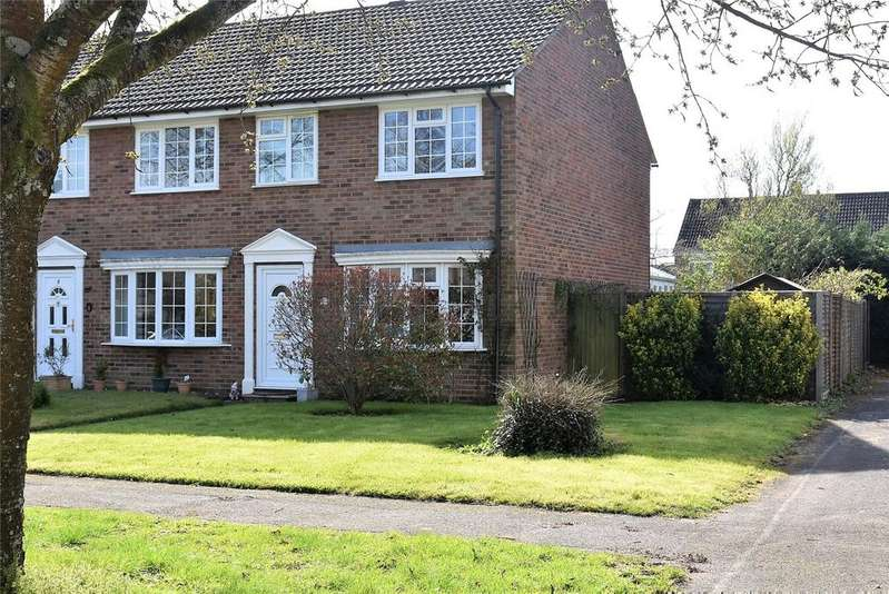 3 Bedrooms End Of Terrace House for sale in Jubilee Close, Pamber Heath, Tadley, Hampshire, RG26