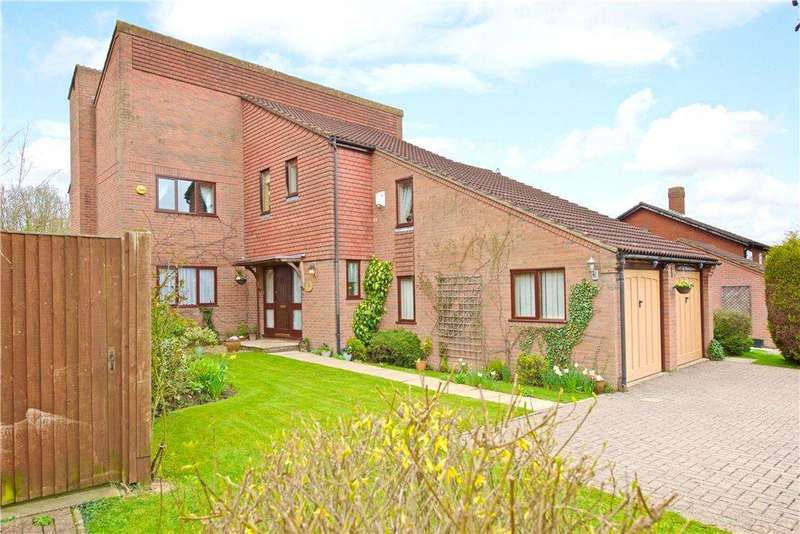 5 Bedrooms Detached House for sale in The Approach, Two Mile Ash, Milton Keynes, Buckinghamshire