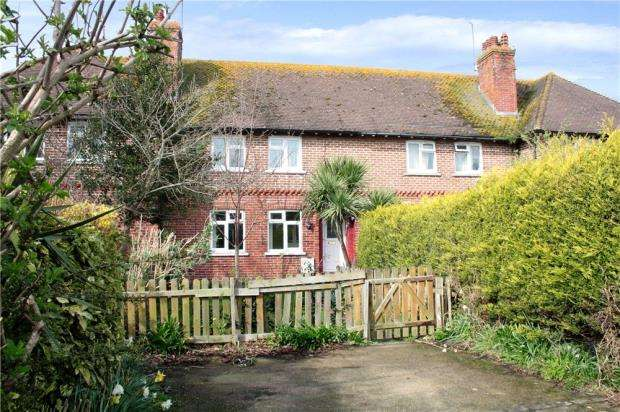 2 Bedrooms Terraced House for sale in Palmer Road, Angmering, West Sussex, BN16
