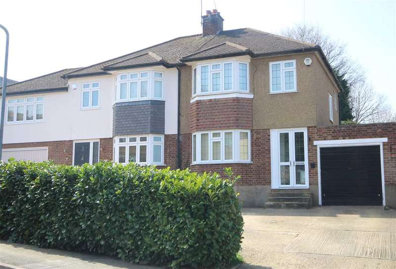 3 Bedrooms House for sale in Garratts Road, Bushey Heath, WD23.