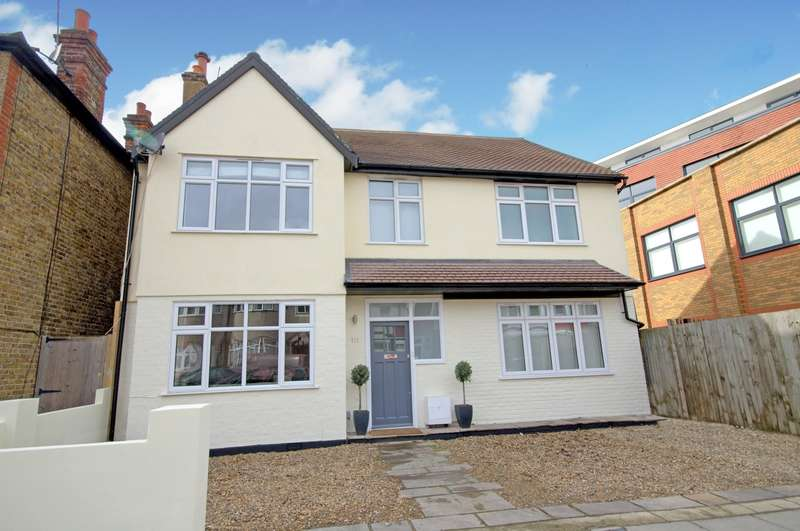 4 Bedrooms Detached House for sale in Motspur Park