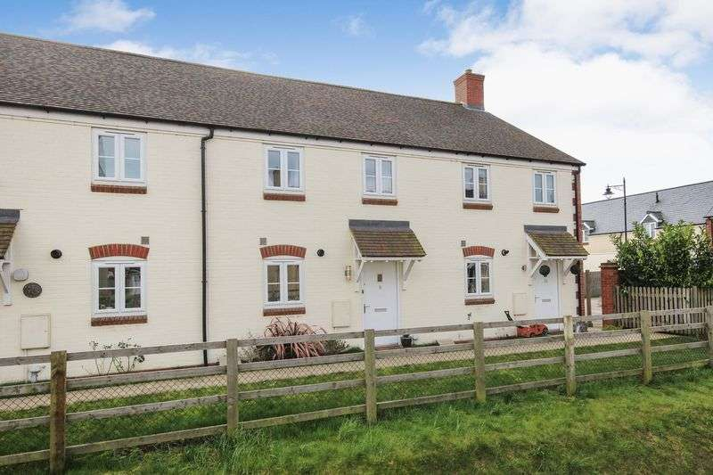 3 Bedrooms Terraced House for sale in Copperwheat Close, Ampthill