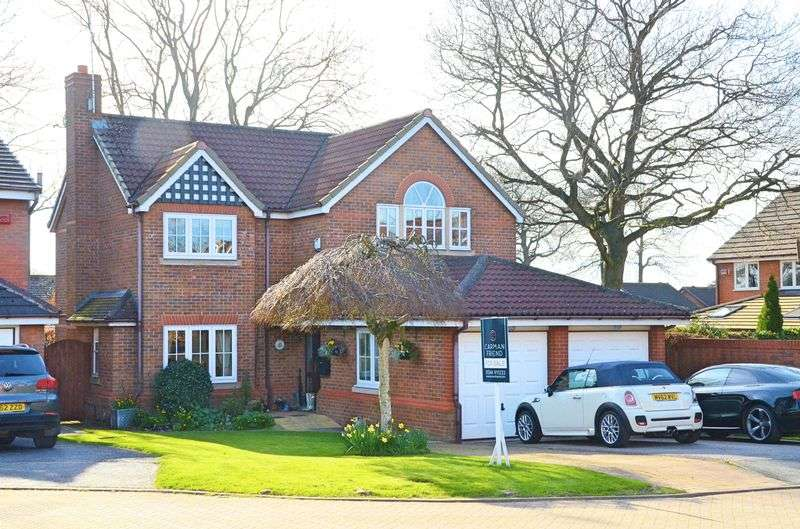 5 Bedrooms Detached House for sale in Breton Close, Upton, Chester