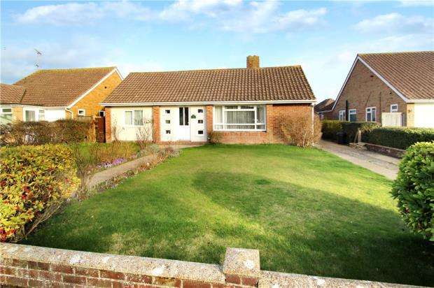 2 Bedrooms Detached Bungalow for sale in Beechlands Close, East Preston, West Sussex, BN16