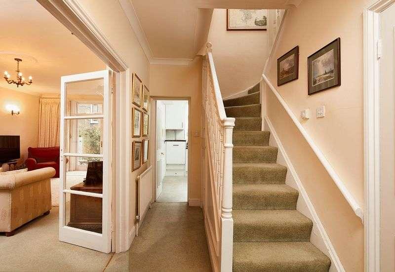 2 Bedrooms Flat for sale in Elgin Avenue, Maida Vale, London