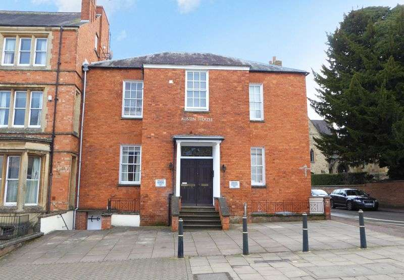 2 Bedrooms Flat for sale in South Bar Street, Banbury