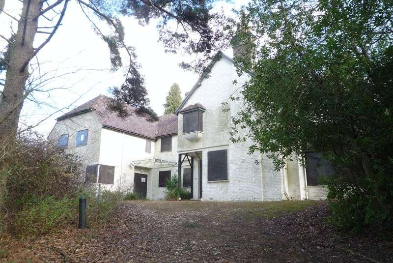 10 Bedrooms Detached House for sale in Tonbridge Road, Pembury
