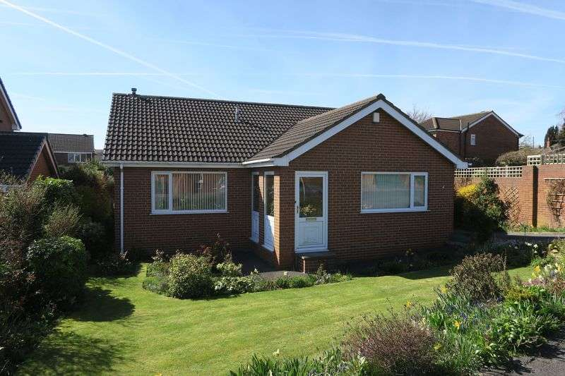 3 Bedrooms Detached Bungalow for sale in Upper Green Way, Tingley, Wakefield
