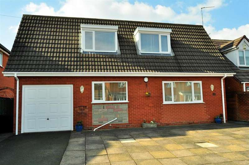 3 Bedrooms Detached Bungalow for sale in Heath Street, Rowley Regis