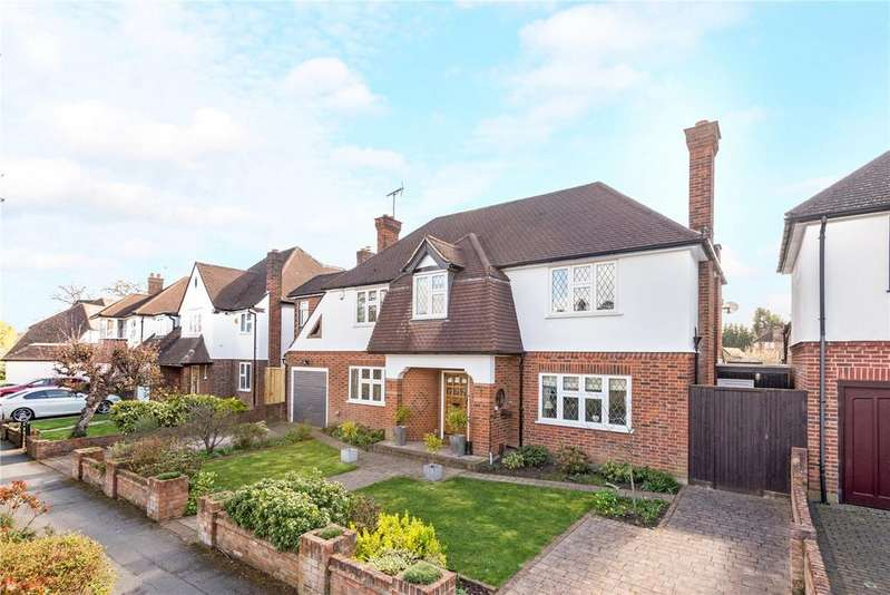 4 Bedrooms Detached House for sale in Chesterfield Drive, Hinchley Wood, Esher, Surrey, KT10