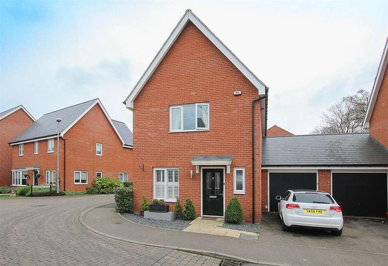 3 Bedrooms Semi Detached House for sale in Little Highwood Way, Brentwood