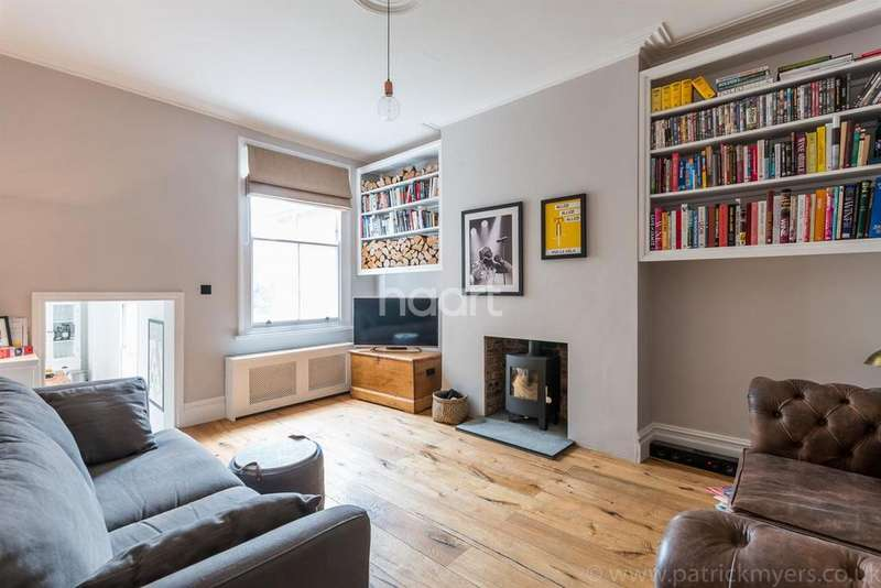 2 Bedrooms Flat for sale in East Dulwich Grove, London, SE22