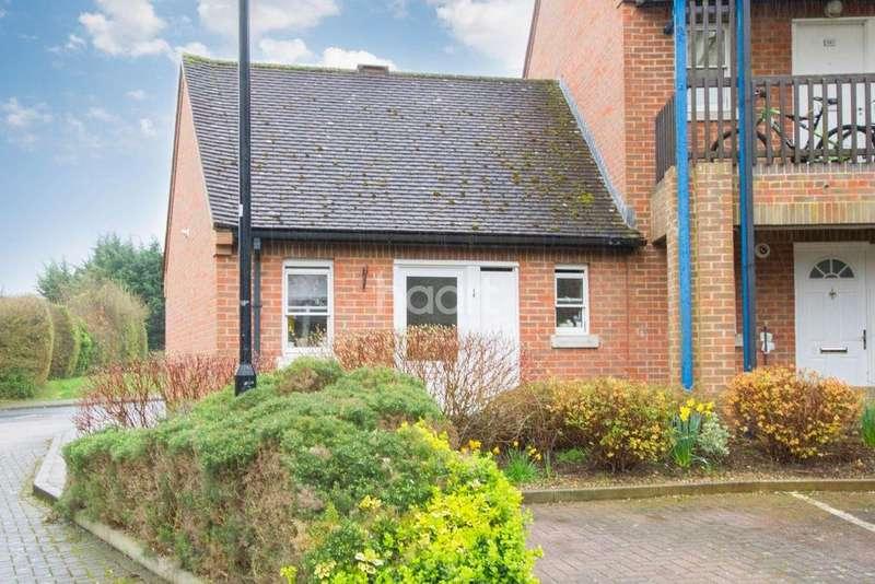 1 Bedroom Bungalow for sale in Sunningdale Mews