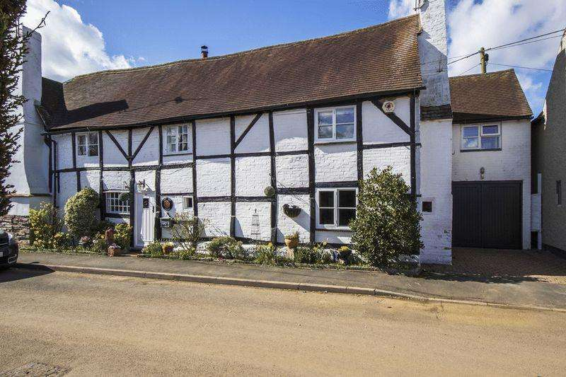 3 Bedrooms Cottage House for sale in Aston Cantlow, Warwickshire