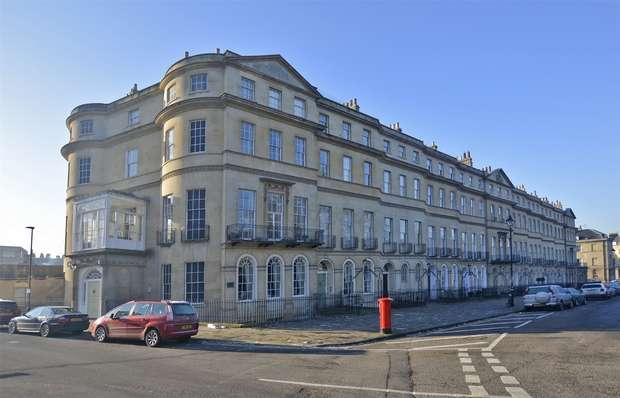 2 Bedrooms Flat for sale in Penthouse Apartment, 94 Sydney Place, Bath