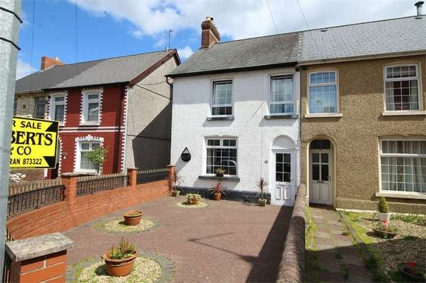 4 Bedrooms Semi Detached House for sale in Prospect Place, New Inn, Pontypool
