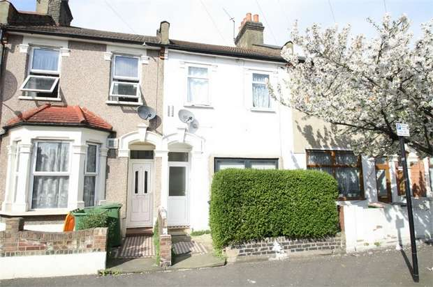 2 Bedrooms Flat for sale in Kempton Road, East Ham, London