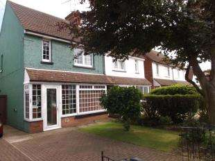 3 Bedrooms Semi Detached House for sale in Kingsnorth Road, Ashford, Kent