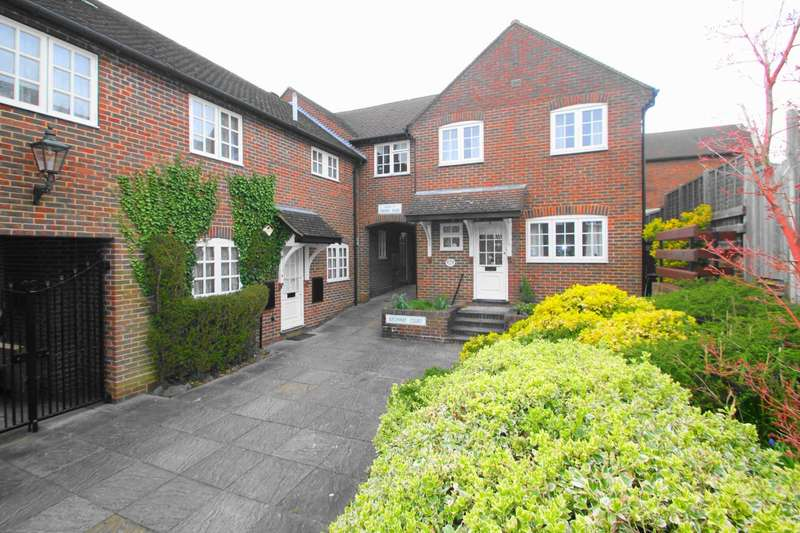 3 Bedrooms Mews House for sale in Old Town, Hemel Hempstead