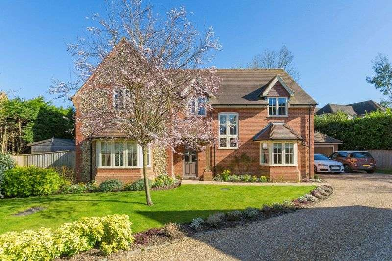 4 Bedrooms Detached House for sale in Wheelers Close, High Wycombe