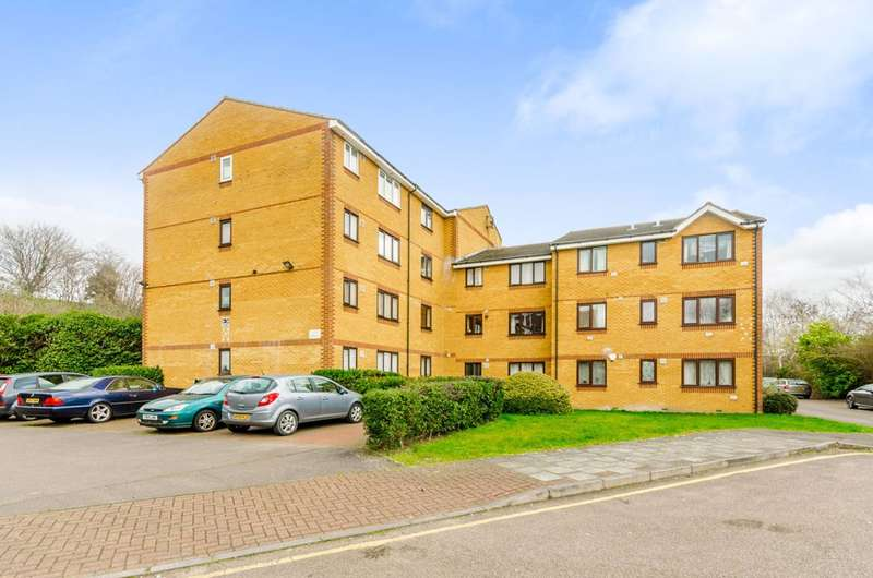 2 Bedrooms Flat for sale in Jack Clow Road, West Ham, E15