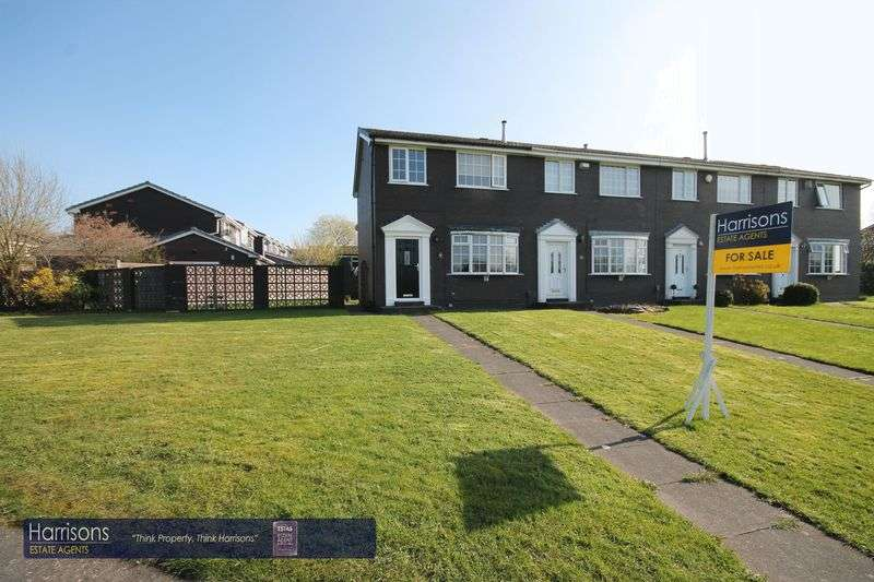 3 Bedrooms House for sale in Crosshill Walk, Ladybridge, Bolton, Lancashire.