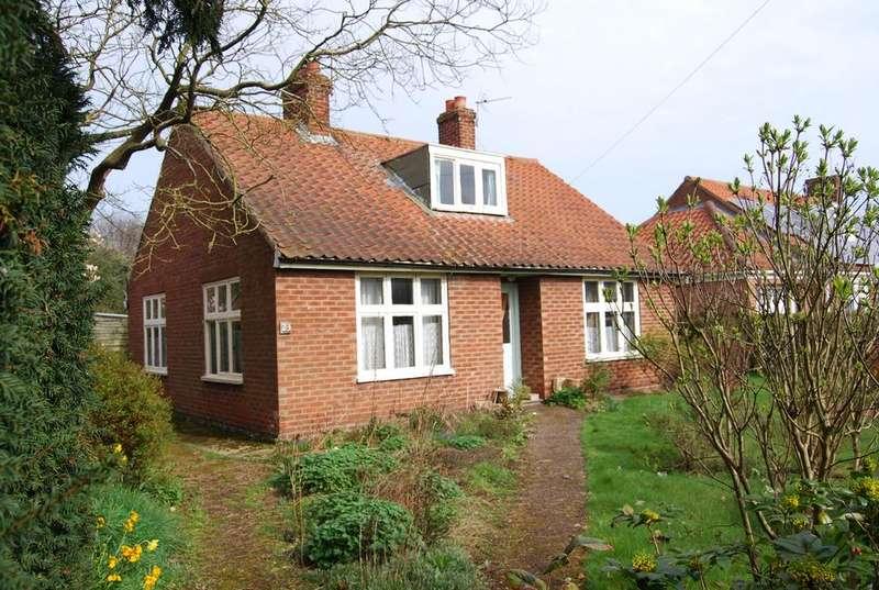 3 Bedrooms Detached Bungalow for sale in Swanton Road, Washbridge, Dereham NR19