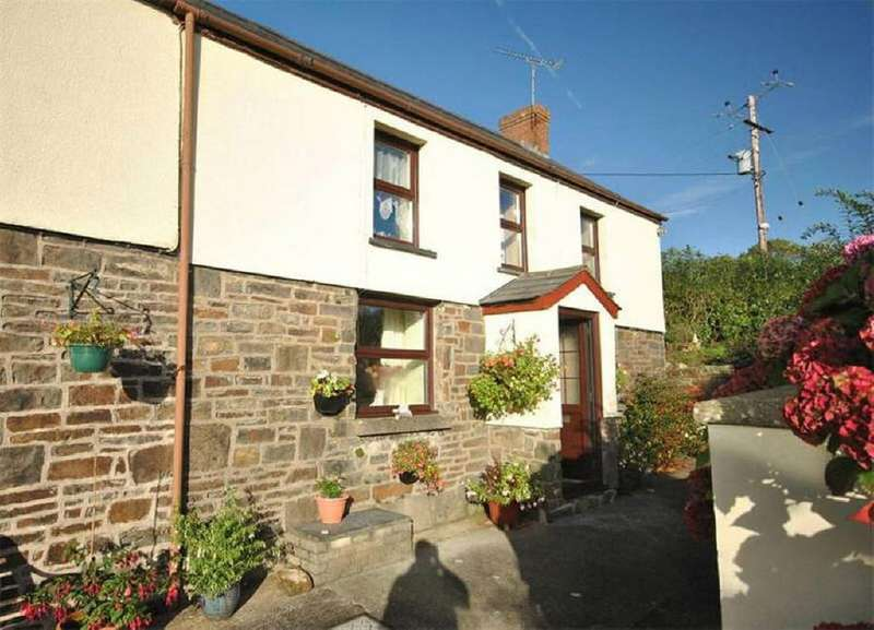3 Bedrooms House for sale in Plas Y Berth, Nr Carmarthen, Carmarthenshire