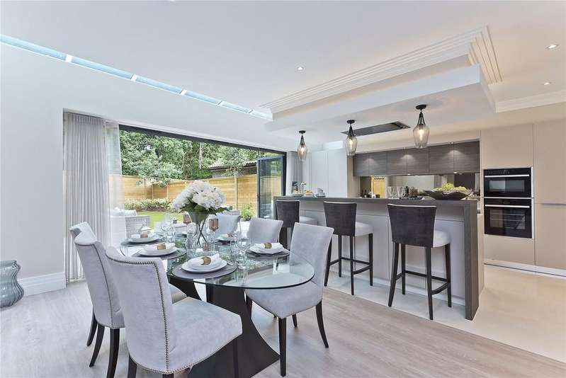 6 Bedrooms Detached House for sale in Henley Drive, Kingston upon Thames, KT2