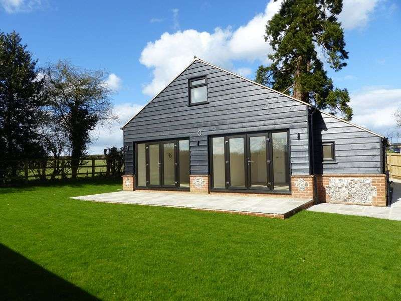3 Bedrooms Detached House for sale in Wheeler End