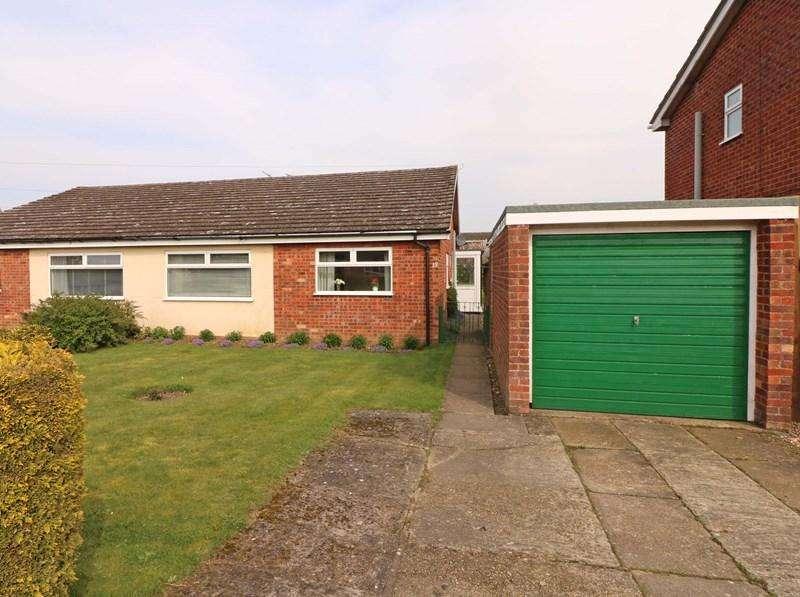 3 Bedrooms Semi Detached Bungalow for sale in Childs Road, Hethersett, Norwich