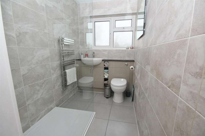 2 Bedrooms Flat for sale in Chalvington Road, Chandler's Ford, Eastleigh