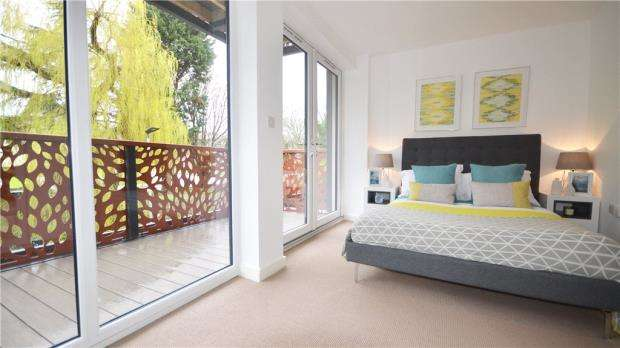 1 Bedroom Apartment Flat for sale in London Road, High Wycombe