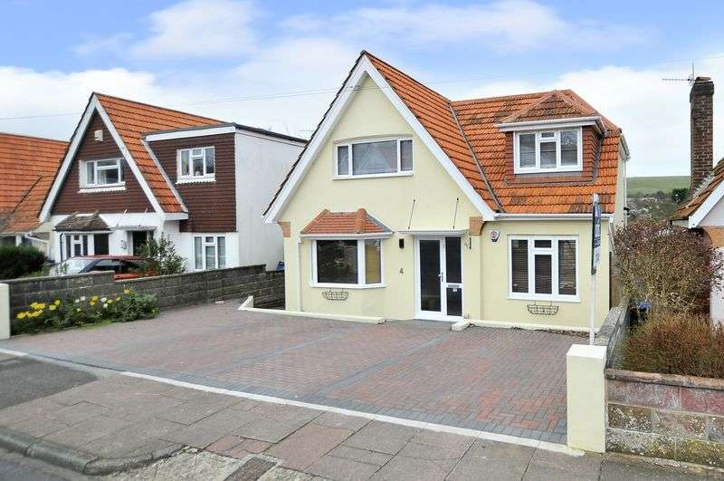 3 Bedrooms Detached House for sale in Hillview Road, Worthing