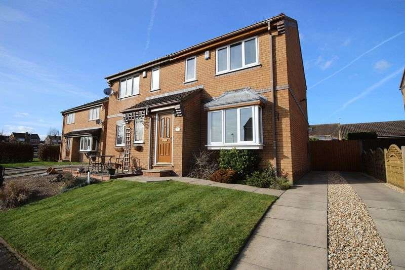 3 Bedrooms Semi Detached House for sale in Nightingale Lane, Scarborough