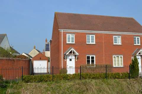 3 Bedrooms Semi Detached House for sale in The Badgers, St. Georges, Weston-Super-Mare