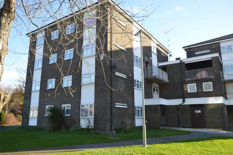2 Bedrooms Maisonette Flat for sale in The Anchorage, Gosport