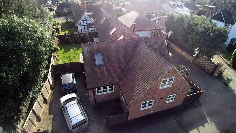 4 Bedrooms Cottage House for sale in Bletchley