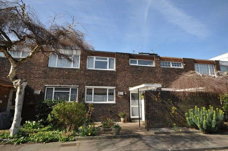 3 Bedrooms Terraced House for sale in Sanders Close, Hampton