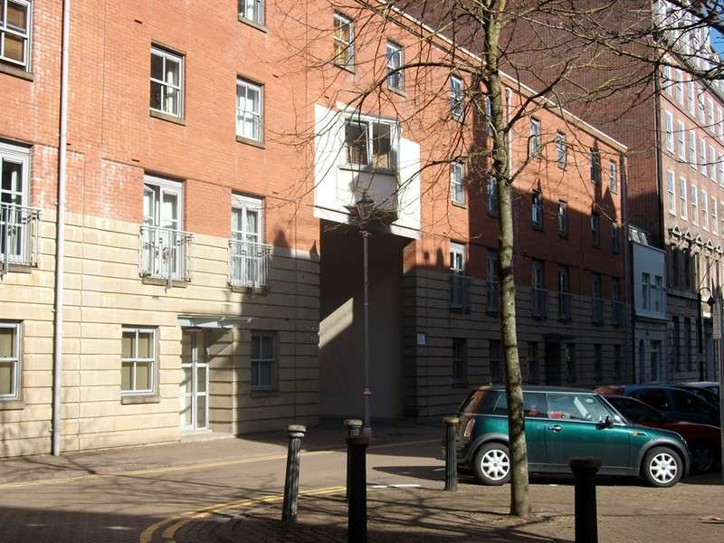 2 Bedrooms Flat for sale in Mount Stuart Square, Cardiff, Caerffili, CF10
