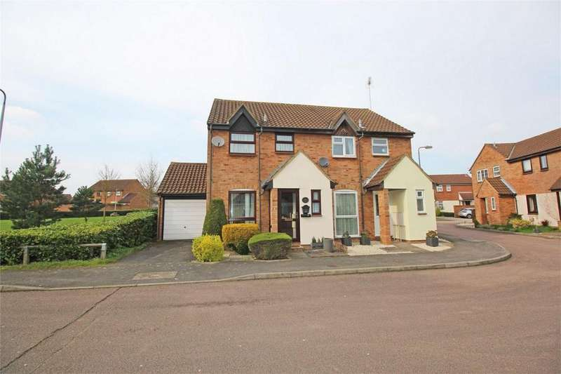 3 Bedrooms Semi Detached House for sale in The Pastures, Stevenage, Hertfordshire