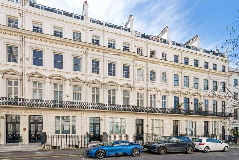 3 Bedrooms Flat for sale in Clarendon House, Strathearn Place, London